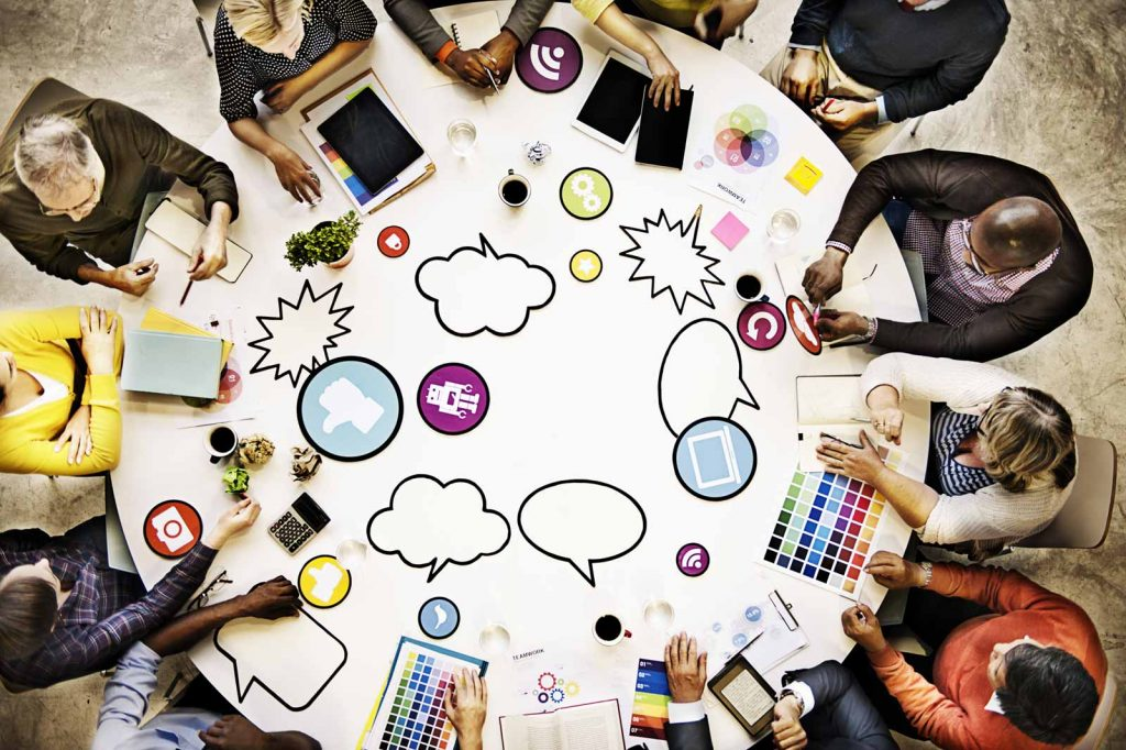 Una tavolo rotonda come esempio di web community